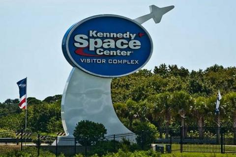 Kennedy-Space-Center-Visitor